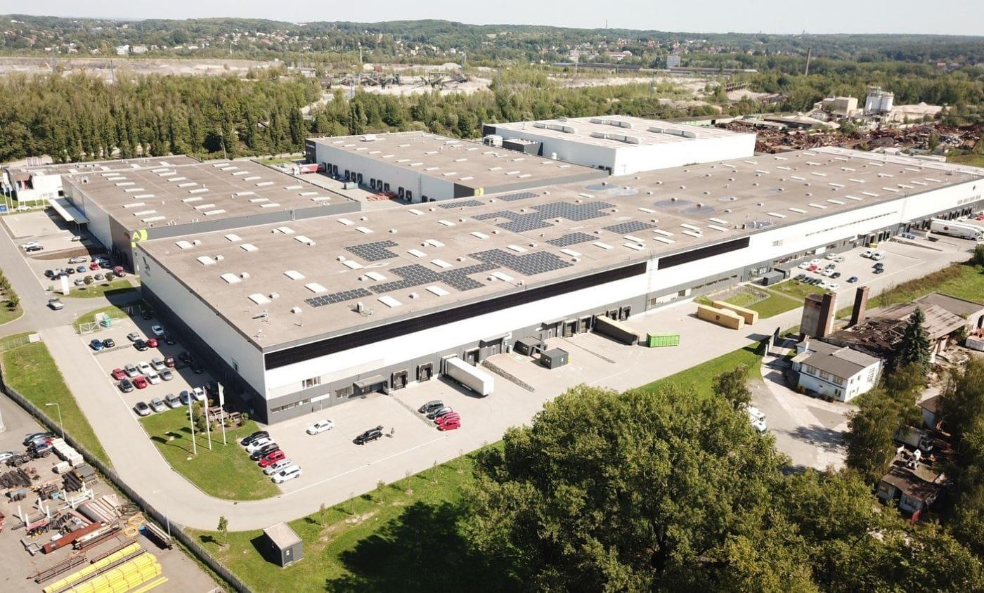 MALFINI (dříve ADLER Czech) má největší hybridní fotovoltaickou elektrárnu s panely na fasádě v Ostravě, young4energy