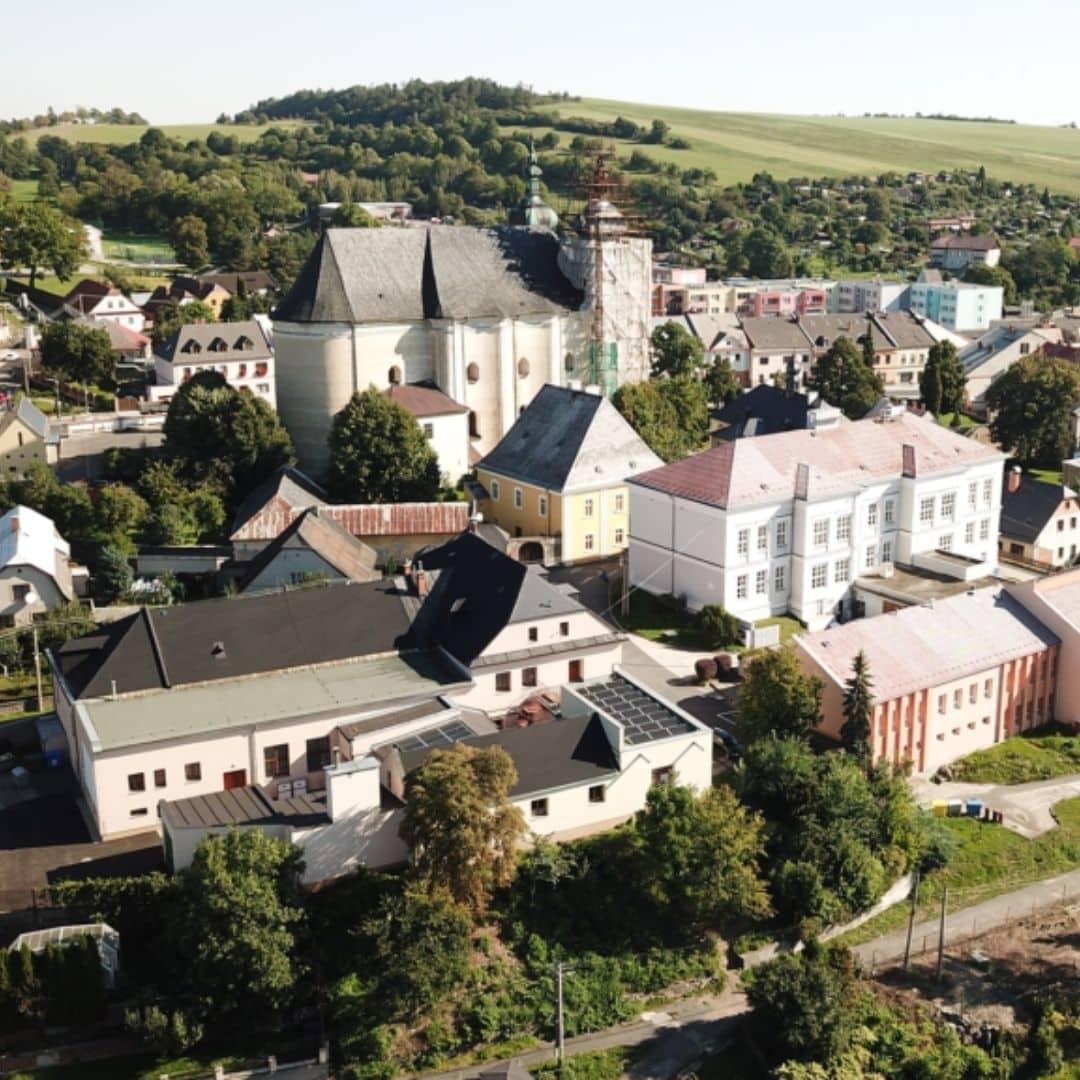 Město Budišov nad Budišovkou má supermoderní lokální distribuční síť podpořenou z dotace OPŽP, young4energy