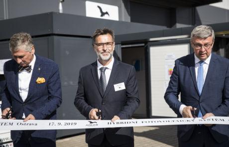 Slavnostní uvedení nejmodernější hybridní fotovoltaický systém Malfini Ostrava, young4energy