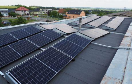 Tísek, zemědělské družstvo Tísek instalace fotovoltaické elektrárny s akumulací, young4energy